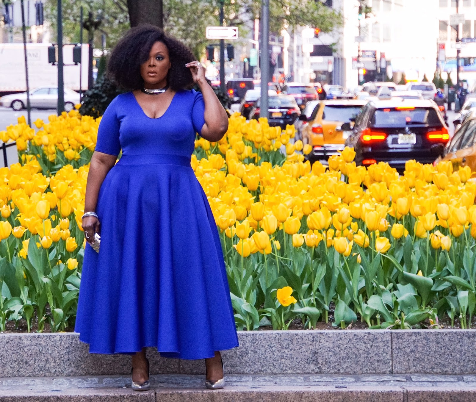 courtney noelle dress, courtney noelle blue dress, khloe dress courtney noelle, big bella donna