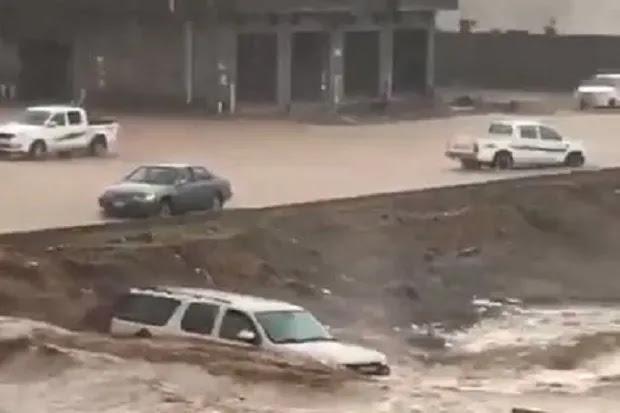 Banjir Besar di Arab Saudi Tewaskan 12 Orang, Lebih dari 170 Luka-luka