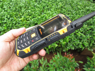 Hape Walkie Talkie Outdoor Runbo X1 Jaringan UHF