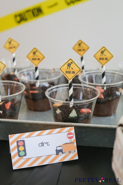 Dig In Pudding Dirt Cups at a construction themed birthday party