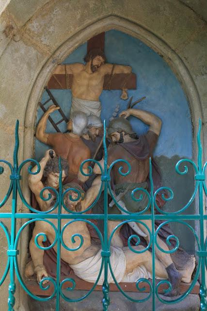 Way of the cross. Standing. Eleventh. Rocamadour. France. Крестный путь. Стояния. Одиннадцатое. Рокамадур. Франция.