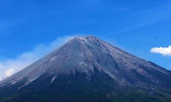 Daftar 19 Gunung Berapi di Pulau Jawa, Manakah Menurutmu yang Paling Aktif?