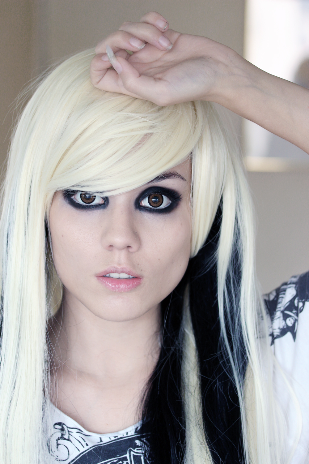 girls with blonde Emo hair scene
