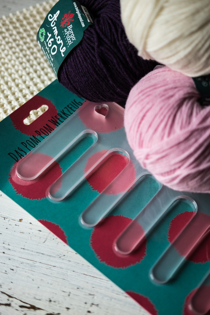 DIY | PomPom-Teppich für ein Baby selbermachen by fim.works Lifestyle Blog