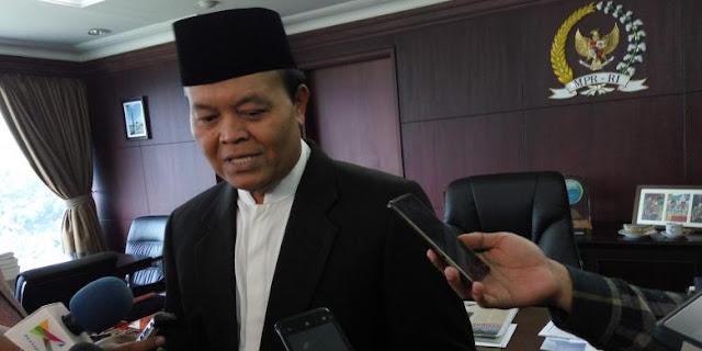 Hidayat Nur Wahid: Saya Kurang Setuju  1 Juni sebagai hari libur nasional.
