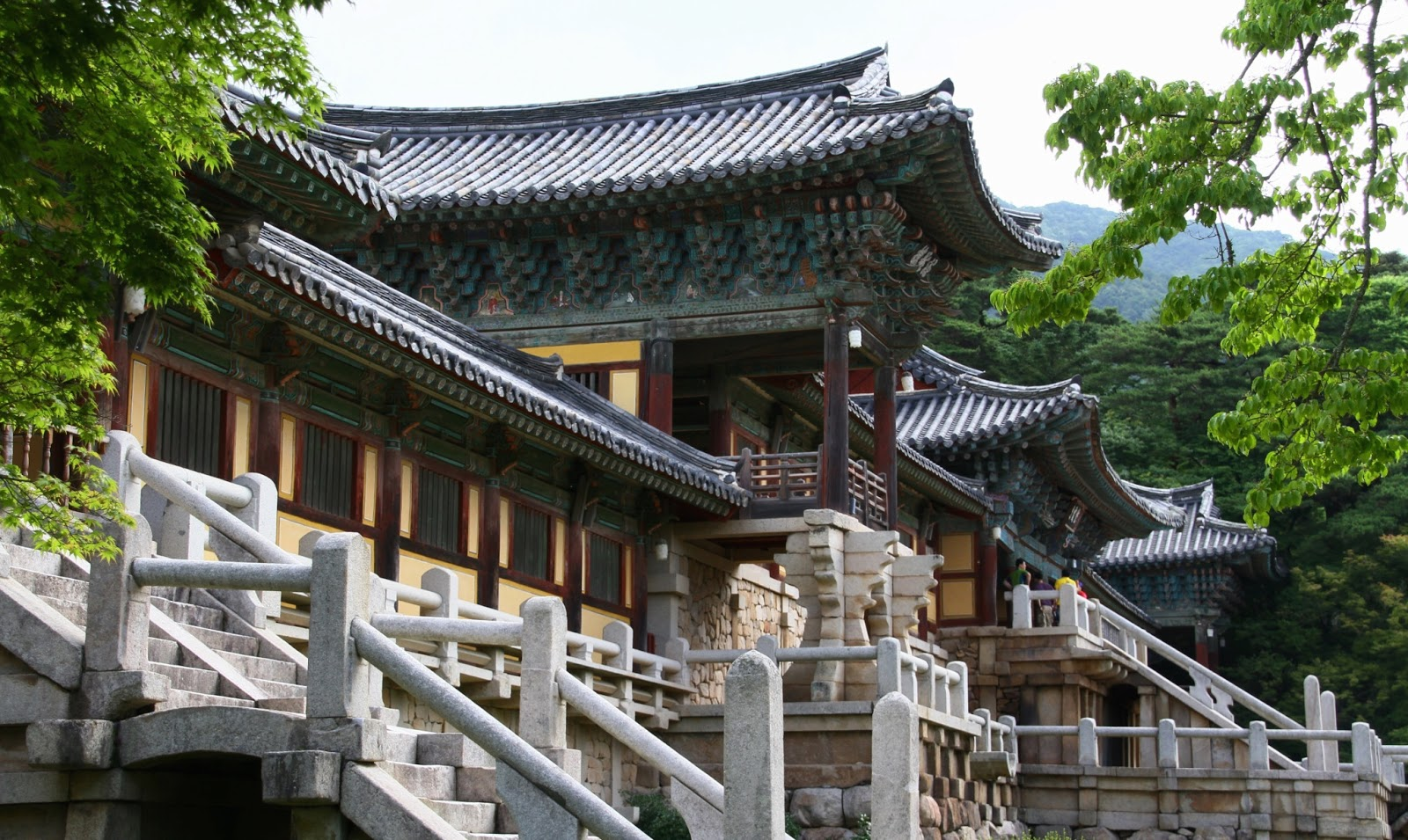 an introduction to the history of the republic of korea Establishment of the republic of korea for koreans, who had long been denied their independence in all walks of life, the japanese surrender in 1945 brought many challenges one of the.