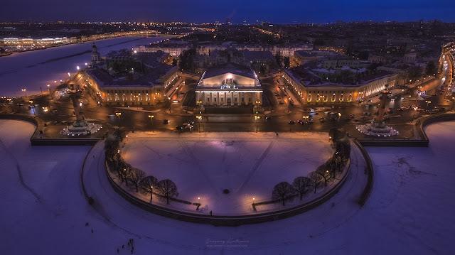 Фотография ночной Стрелки Васильевского острова с воздуха. Квадрокоптер.