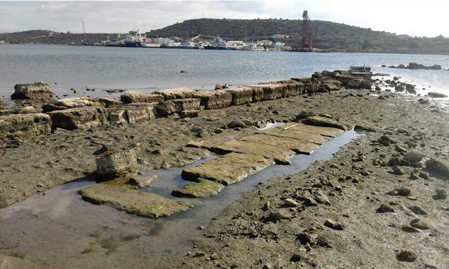 Underwater surveys at the site of the ancient sea battle of Salamis