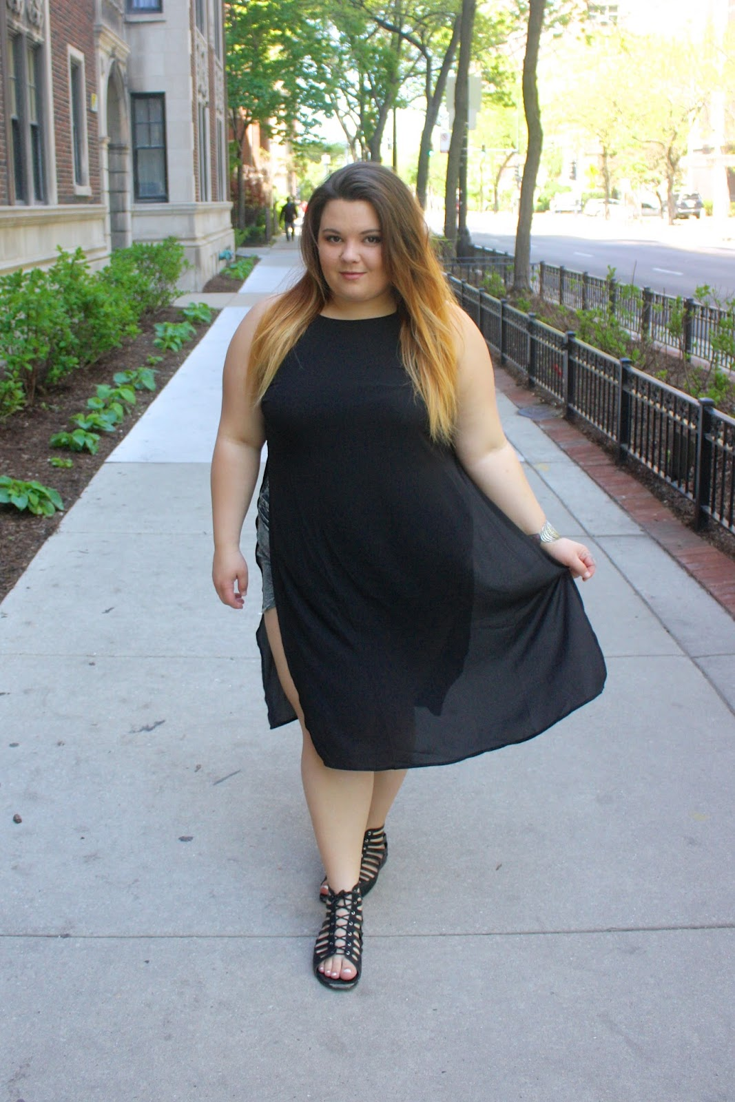 Forever 21 plus, plus size fashion, ps fashion, natalie craig, natalie in the city, chicago, chicago blogger network, dress with slits, dress slits, ombre hairstyle, tribal print shorts, acid wash shorts, bbw, curvy, tribal accessories, summer style 2015