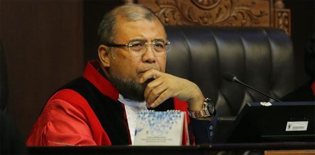 Bah! KPK Tangkap Hakim Konstitusi Patrialis Akbar