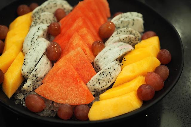 Inspiration for fresh cut fruits plating design