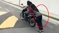 http://www.misterikisah.com/2016/12/lihat-gaya-dua-cewek-berhijab-ini-naik-motor.html