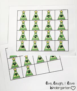 Christmas Sensory Bin~FREEBIE