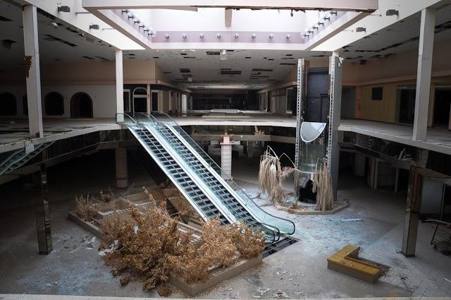 O shopping morreu