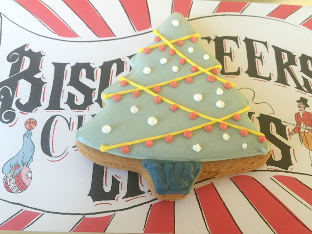 Christmas tree biscuit from biscuiteers