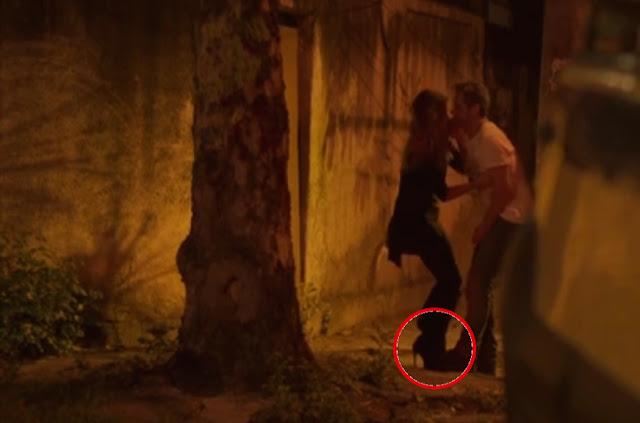 Atena (giovanna antonelli) salva Romero Homulo (Alexandre Nero) do cativeiro de salto alto
