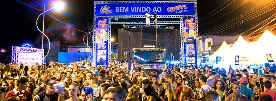 O prefeito de Central na micro-região de Irecê (Uilson Monteiro da Silva) a8581dc564d