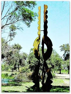 Escultura El Canto de las Flores, de Francine Secretan - Parque Marinha do Brasil