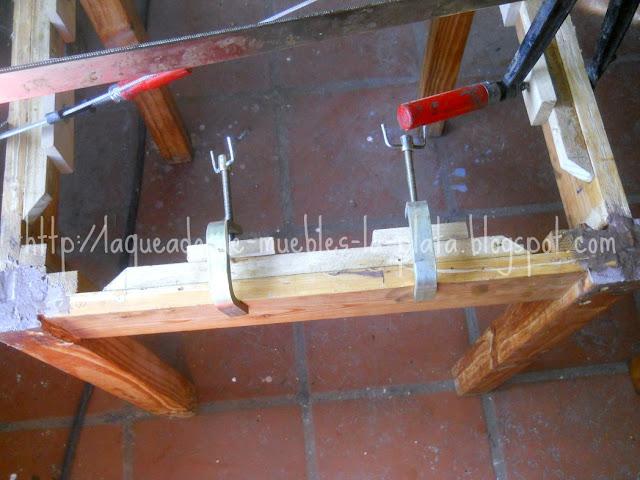 Encolar tapa mesa madera