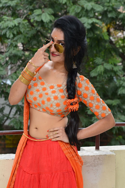 Janani Reddy latest sizzling photos-HQ-Photo-1
