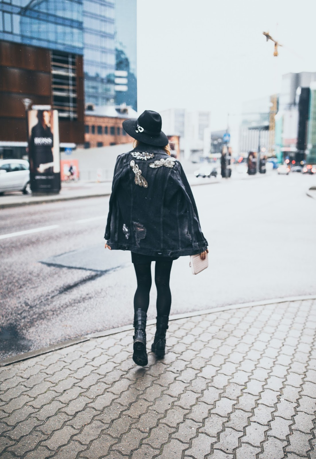 total black outfit fall