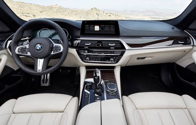 2019 BMW M5 Touring Specifications