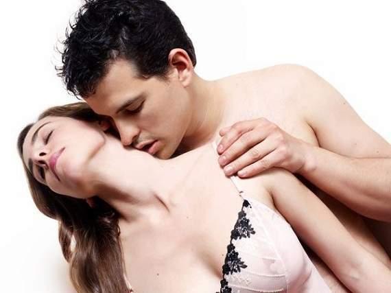Quan hệ tình dục bằng miệng là sinh hoạt bình thường ở phương Tây