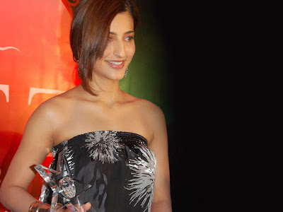 beautiful south Actress Shruti Haasan  HD   wallpaper | free Shruti Haasan Hot   HD  wallpapers | new latest  Shruti Haasan HD  pictures
