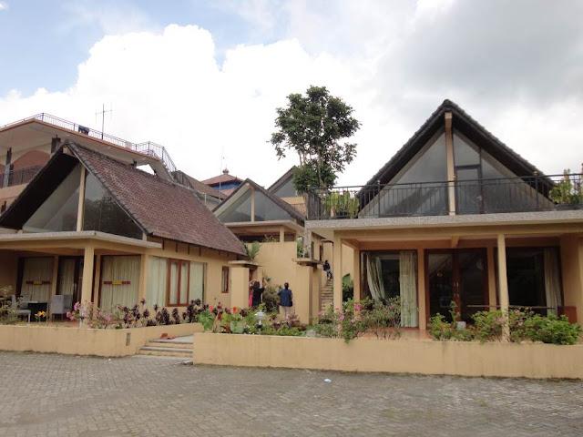 Pondok Wisata Bedugul Lake View yang Menghadap Danau di Tabanan Bali