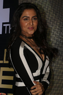 Ananya Soni in a Deep neck white blackl Dress at Shamanthakamani pre release function ~  Exclusive 049.JPG