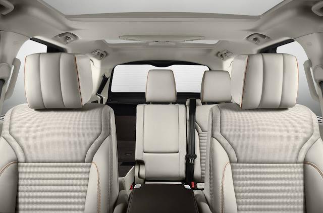Land Rover Discovery 2017 - espaço interno