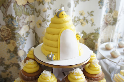 Bee Themed Desert Table