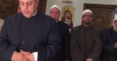 وفد وزارة الاوقاف يصلي بالكنيسة بعد تقديم العزاء