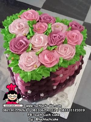 Kue Tart Love Mawar Hati