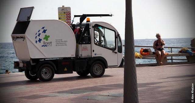 Мусоровоз в Каталонии