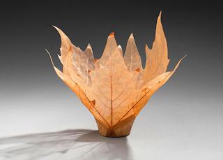 vaso con scheletri di foglie fai da te