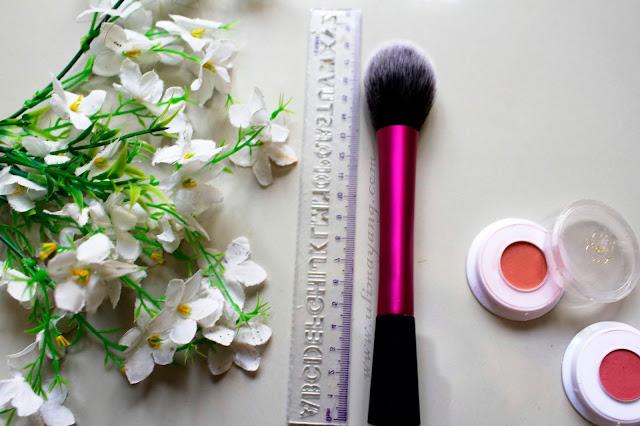 rekomendasi-brush-blush-untuk-pemula-dan-mua-yang-bagus-berkualitas