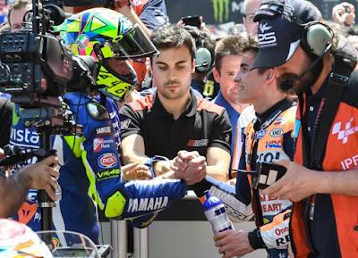 Perdamaian Rossi - Marquez Bikin MotoGP Kurang Menarik?
