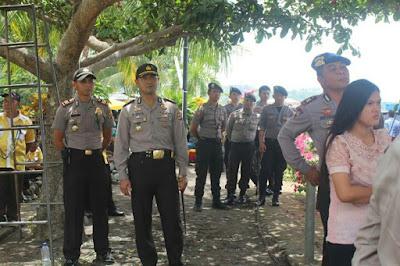 Aparat Kepolisian Amankan Lokasi Pelantikan Pengurus Partai Golkar.