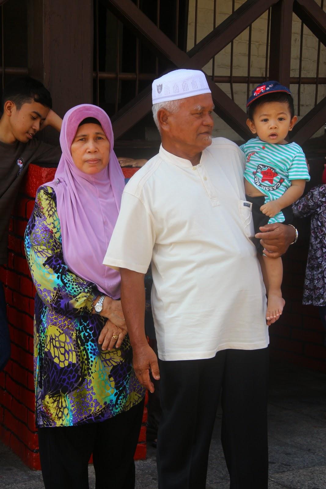 Nenek, Atuk dan Hafiz