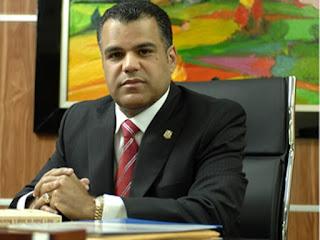 Tommy Galán destaca méritos de Cèsar Medina y expresa solidaridad con familiares