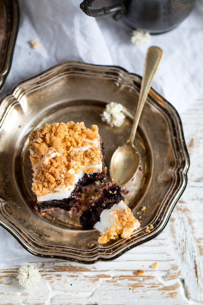 ciasto pleśniak kruche z dżemem i bezową pianką