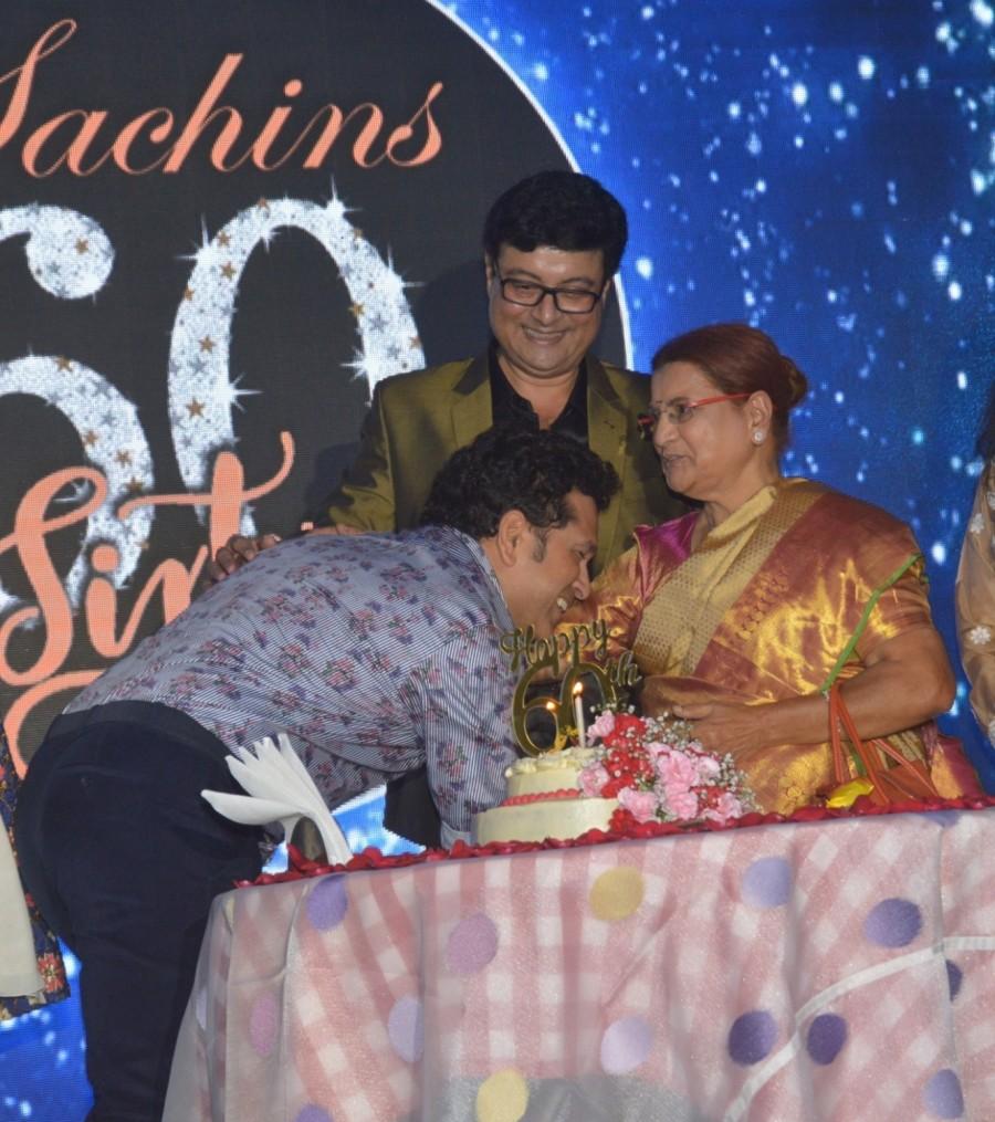 Sachin Tendulkar and Jaya Bachchan at Sachin Pilgaonkar Birthday Celebration