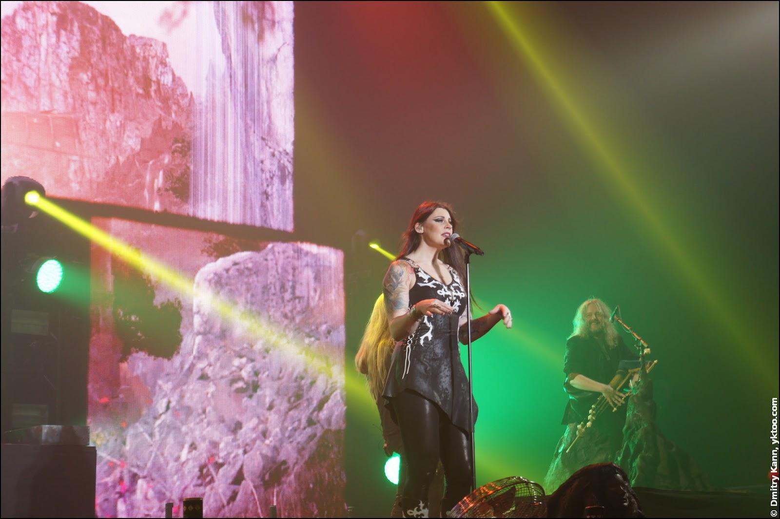 Nightwish: Floor Jansen и волынщик Troy Donockley.