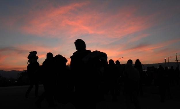 WSJ: Ευρωπαίοι αξιωματούχοι μεθοδεύουν τον εγκλωβισμό προσφύγων στην Ελλάδα