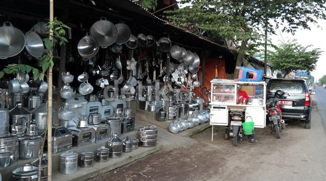 Sentra industri dandang panci Sayangan, Kalibaru, Banyuwangi