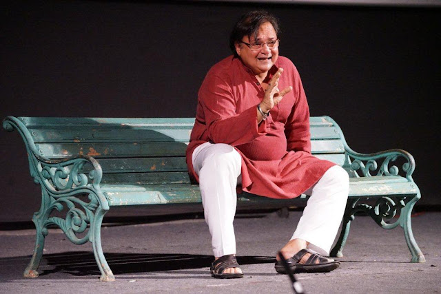 Original, hilarious yet a captivating 'Massage' of all emotions was seamlessly presented by Rakesh Bedi at the 5th Veda session at Whistling Woods International