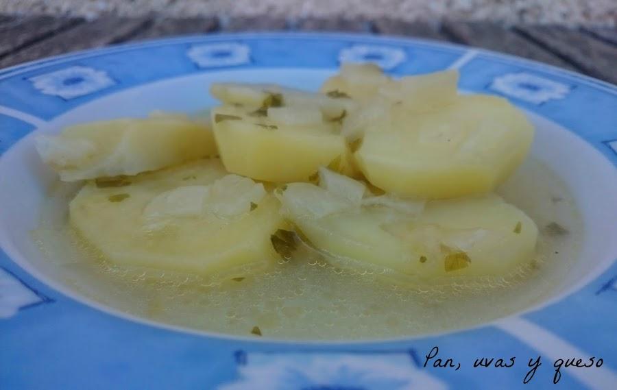 Patatas-guisadas-salsa-verde-crockpot-panuvasyqueso