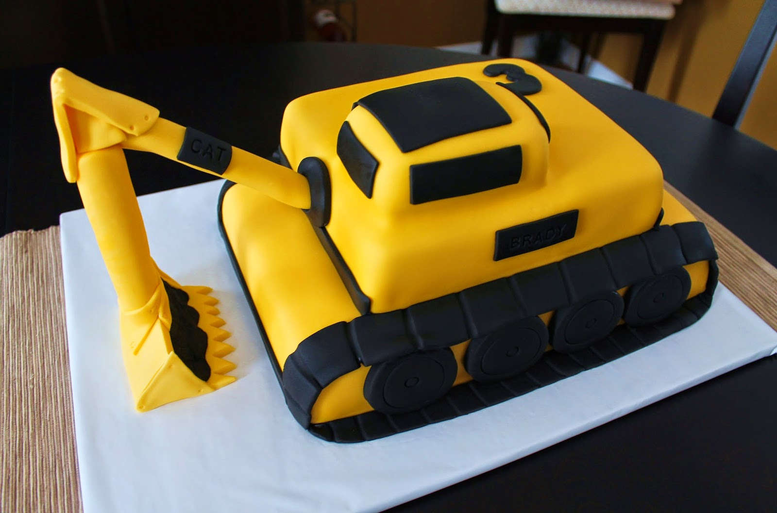 Creative Cakes By Lynn Excavator Cake Amp Construction Cupcakes