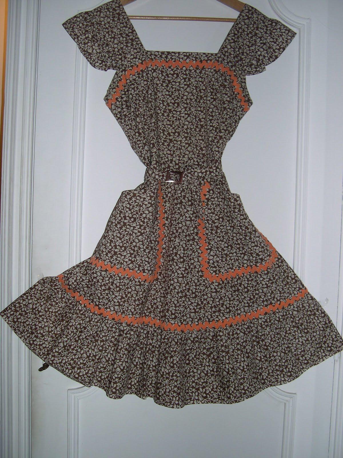 aux habits qui parlent bucolique robe vintage ann es 70. Black Bedroom Furniture Sets. Home Design Ideas